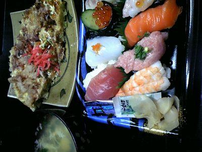 Tomoのご飯:にぎり寿司とお好み焼き