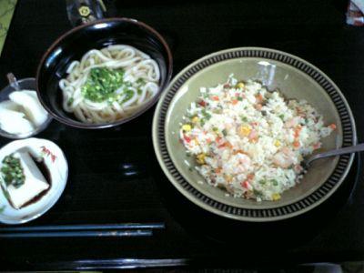 Tomoのご飯:ピラフとうどんと男前豆腐