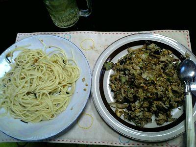 Tomoのご飯:焼き飯と納豆パスタ